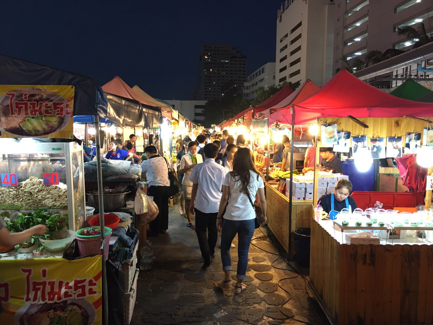 Bangkok night maarket